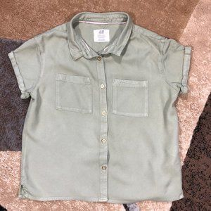 Girls H&M Green Short Sleeve Shirt, Size 10-11Y